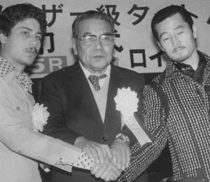 Wilfredo Gómez destruyó al japonés Royal Kobayashi en su propio gallinero