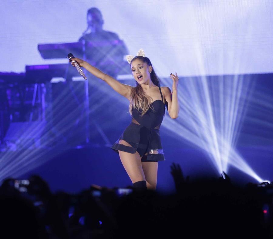 Ariana Grande se consolidó en 2018 como estrella del pop con otro disco número 1. (AP) (semisquare-x3)
