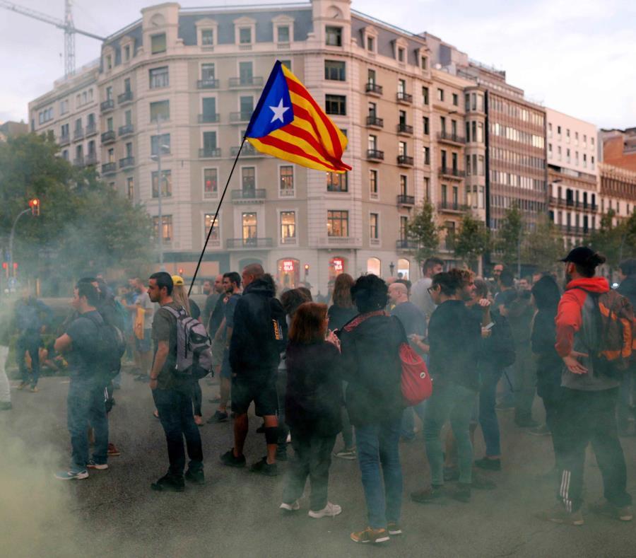 El soberanismo conmemora hoy la jornada del 1-O del año pasado con diversas movilizaciones reivindicativas en Barcelona y otros puntos de Cataluña (semisquare-x3)