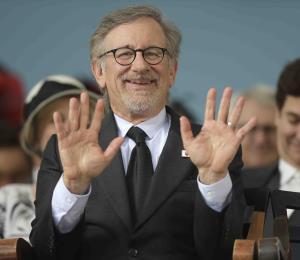 Steven Spielberg envía comida y dinero a hospitales de Los Ángeles