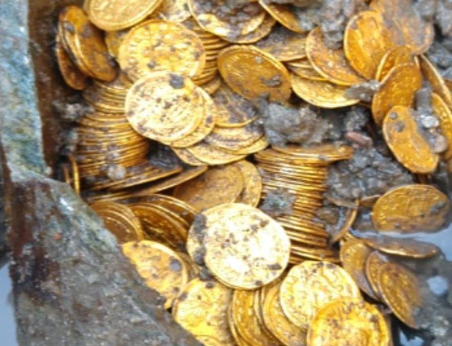 Hallan centenares de monedas fabricadas en la época del imperio romano (semisquare-x3)