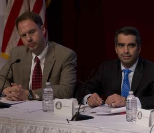 ¿Quién reta a la Junta de Control Fiscal?