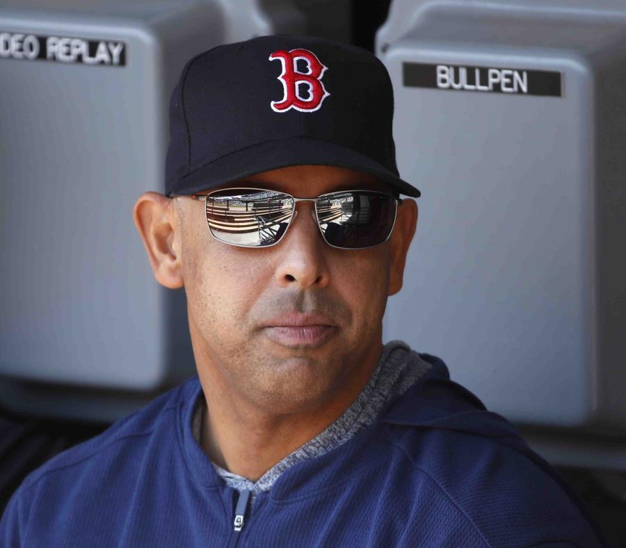 MLB investigará informes de que Medias Roas robaron señas