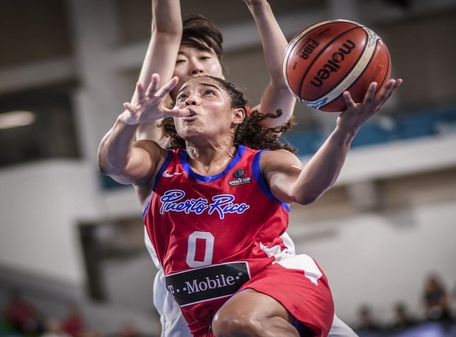 Jennifer O'Neill se apresta a anotar contra Japón. (FIBA.com) (semisquare-x3)