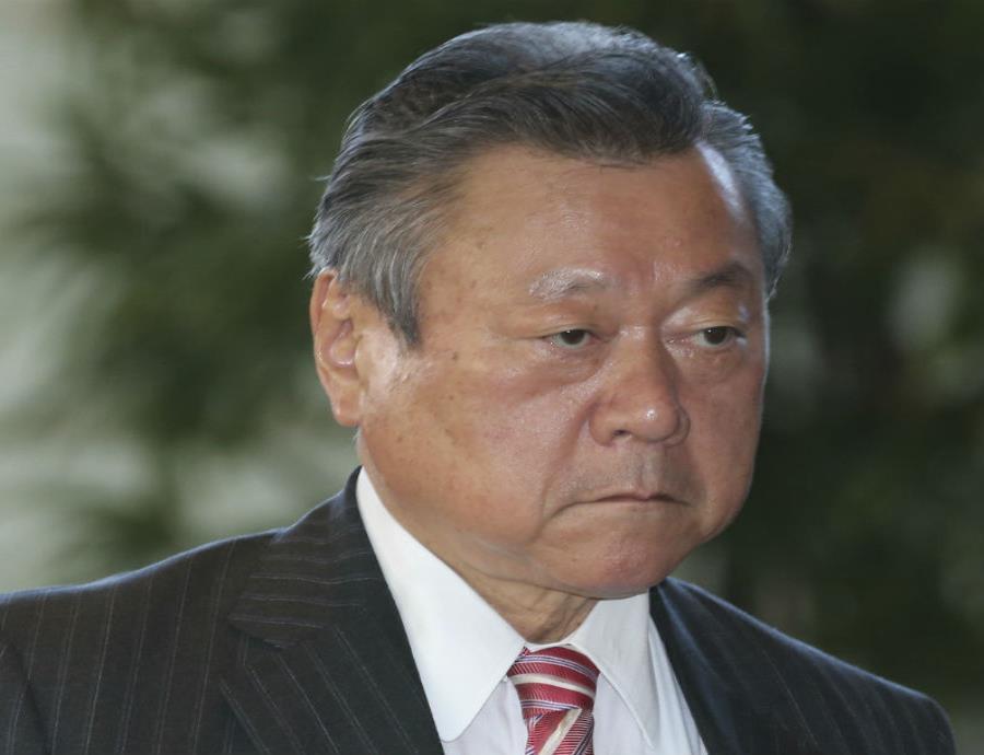 El ministro japonés de ciberseguridad nunca usó una computadora (semisquare-x3)