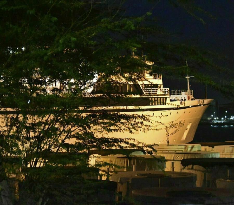 El barco en cuarentena en Willemstad, Curazao. (AP/Dick Drayer) (semisquare-x3)