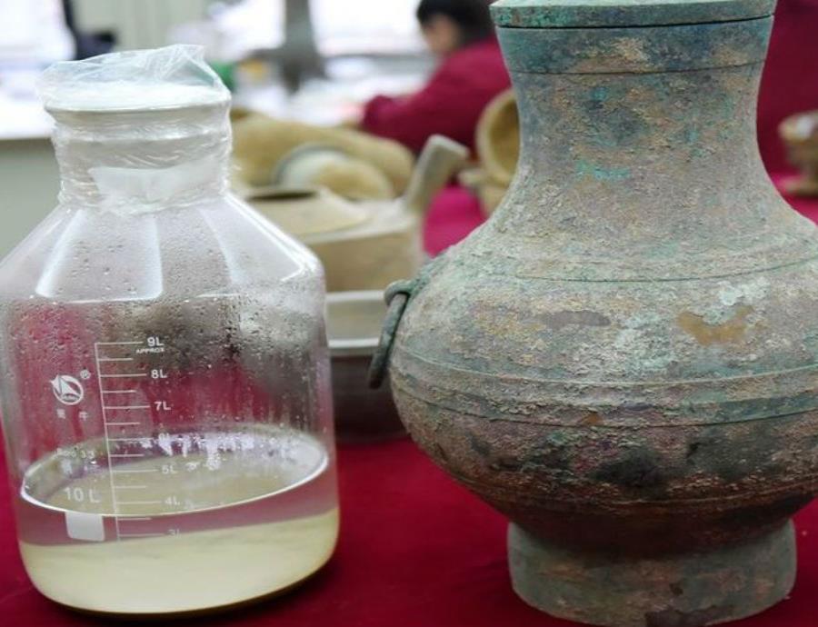 Descubren un vino de hace 2,000 años en una tumba china (semisquare-x3)