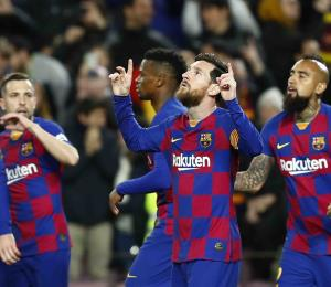 La Liga de fútbol española prepara un plan para regresar a la competencia