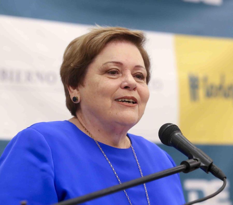 En la foto la presidenta de la Asociación de Maestros de Puerto Rico, Aida Díaz (GFR Media) (semisquare-x3)