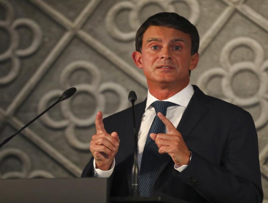 Manuel Valls confirmó su candidatura a la alcaldía de la capital de Cataluña, en las elecciones del próximo año (semisquare-x3)
