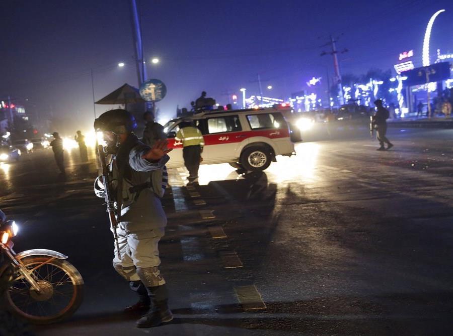 Afganistán: Al menos 40 muertos deja un ataque suicida en un salón de bodas (semisquare-x3)