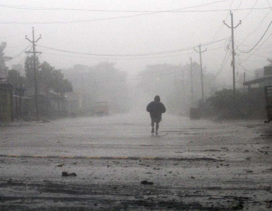 ciclón Titli (semisquare-x3)