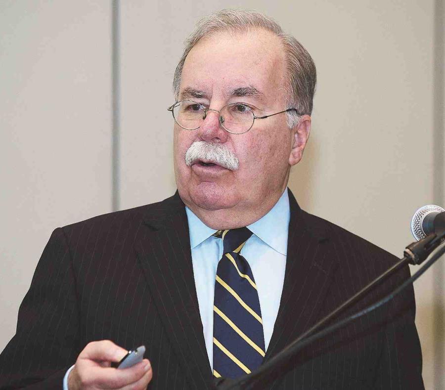 El economista Joaquín Villamil opinó que las empresas no van a pagar un arbitrio de 4 por ciento a Puerto Rico y un impuesto de 20 por ciento por llevar su producto a los Estados Unidos. (semisquare-x3)