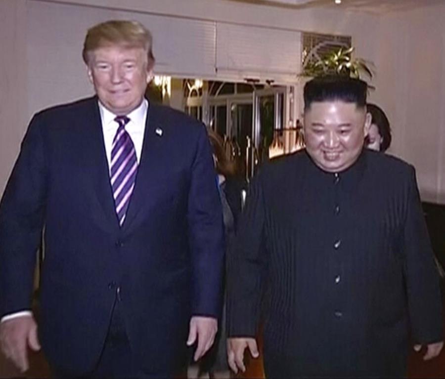 Kim Jong-un y Donald Trump en Hanói, Vietnam (semisquare-x3)