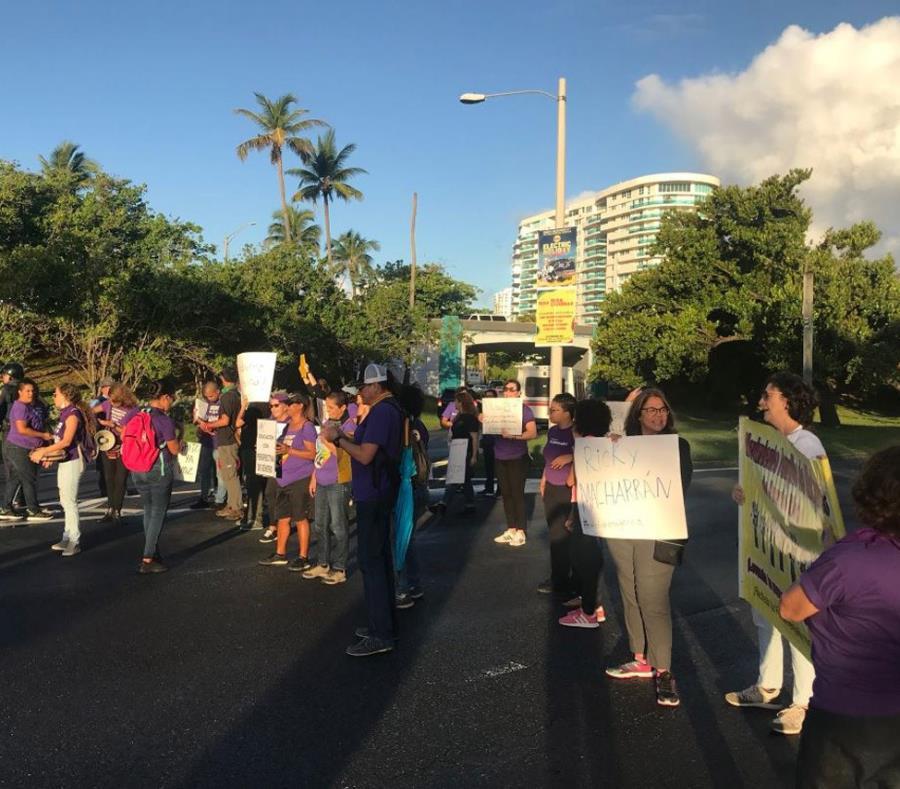 El grupo inició la manifestación a las 6:30 a.m. (semisquare-x3)