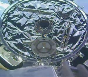 Los astronautas de la Estación Espacial Internacional reciben su cena de Pascua