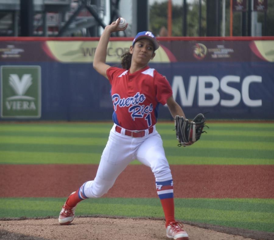Angelis Rivera abrió el juego por Puerto Rico. ( (semisquare-x3)