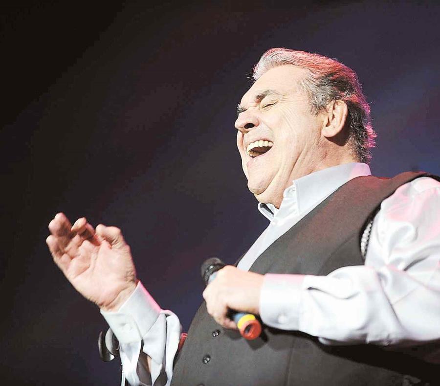 El cantautor tenía programado su concierto el 31 de marzo, pero por razones de salud no pudo presentarse. (GFR Media) (semisquare-x3)