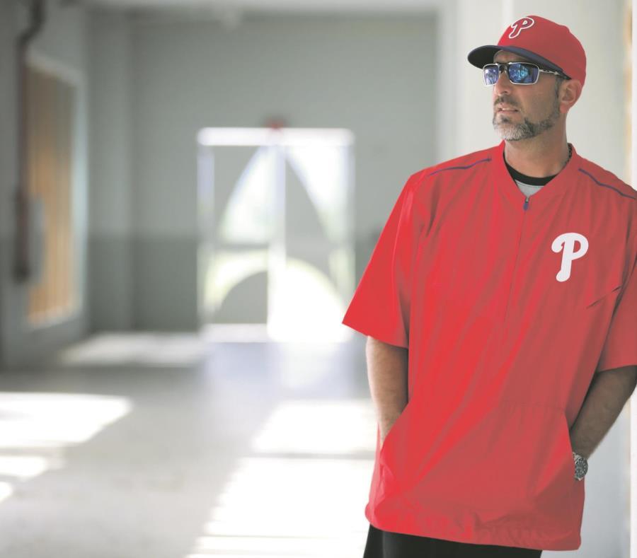 José David Flores fue reclutado por los Filis de Filadelfia para que ocupe el puesto de coach de primera base para la venidera temporada. (semisquare-x3)