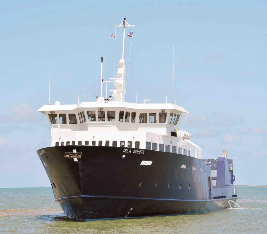 La embarcación Isla Bonita con las que cuenta la ATM para trasportar carga (semisquare-x3)