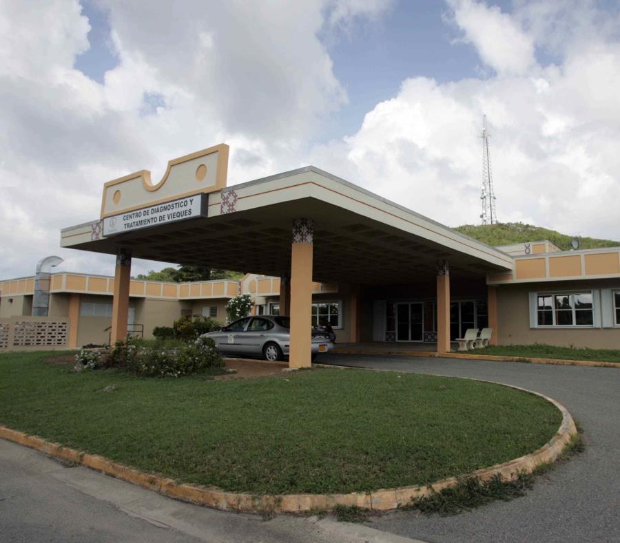 El Centro de Diagnóstico y Tratamiento (CDT) Susana Centeno en Vieques, que permanece cerrado desde el impacto del huracán María en septiembre de 2017, es una de las estructuras en espera de reparación bajo los procesos de la Sección 428. (GFR Media) (semisquare-x3)