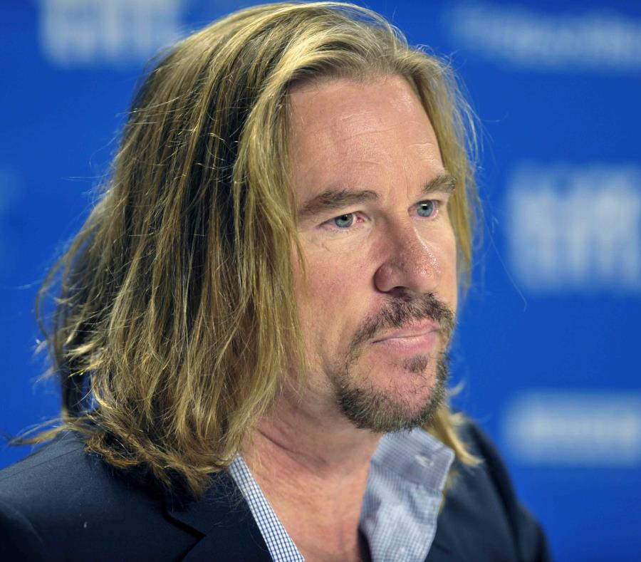 el actor de hollywood Val Kilmer (semisquare-x3)