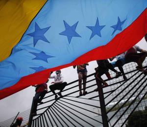 La dolorosa transición de Venezuela