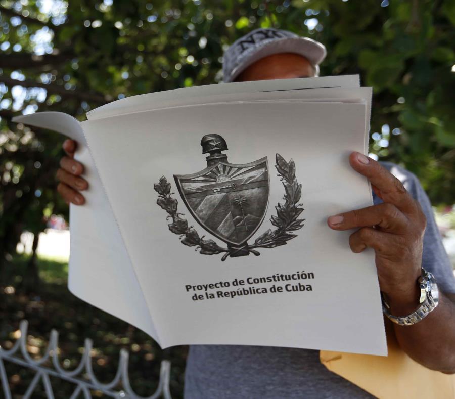Cuba mantiene un proceso de reforma constitucional que se encuentra en fase de consulta popular. (semisquare-x3)