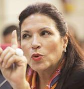 Gobernadora: atienda el ofrecimiento de un tercer sector de primera