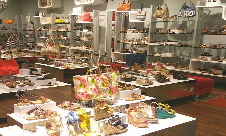 78de9e56 La tienda de zapatos Novus abrirá sus puertas en el Mall of San Juan la  próxima semana, ocupando el antiguo local de Bebe en el primer nivel. (GFR  Media)