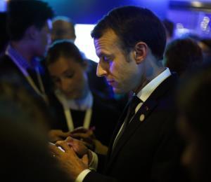 Francia: prohíben los celulares en todo el perímetro de las escuelas
