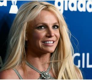 Revelan fotos de Britney Spears tras tomarse un descanso del centro de salud donde está internada