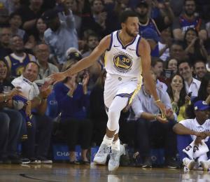 Los Warriors quieren ganar otro campeonato antes de dejar a Oakland
