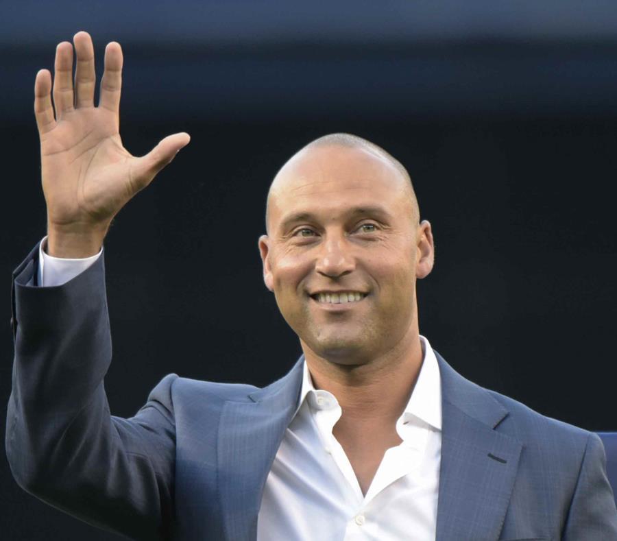 Jeter será el vigésimo segundo jugador en la historia de la franquicia al cual se le retirará su número (#2). (semisquare-x3)