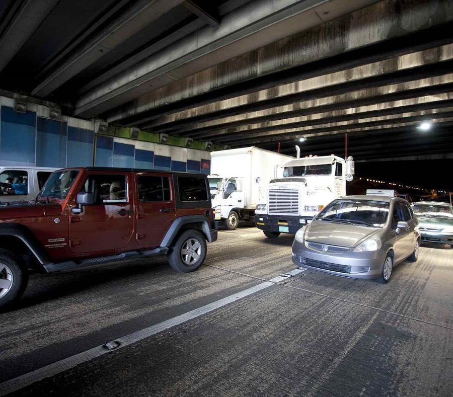 Las autoridades informaron que nadie resultó herido tras los accidentes.  (GFR Media) (semisquare-x3)