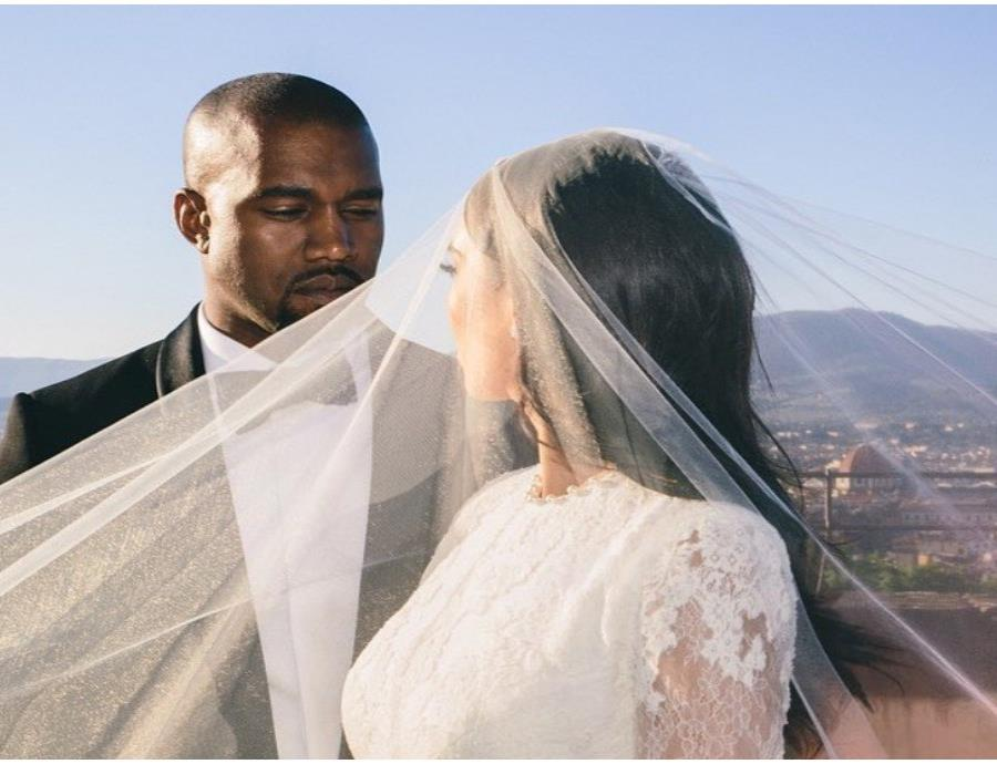Kim Kardashian y Kanye West se casaron hace 5 años en Florencia, Italia.  (Instagram/@kimkardashian) (semisquare-x3)