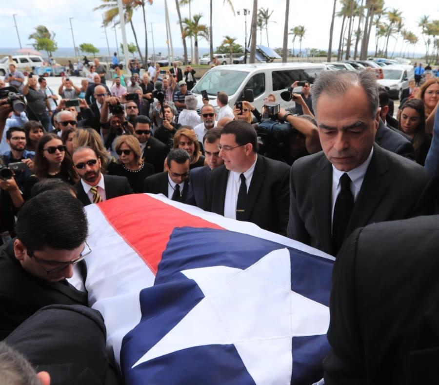 Rafael Hernández Colón falleció a los 82 años. (GFR Media) (semisquare-x3)