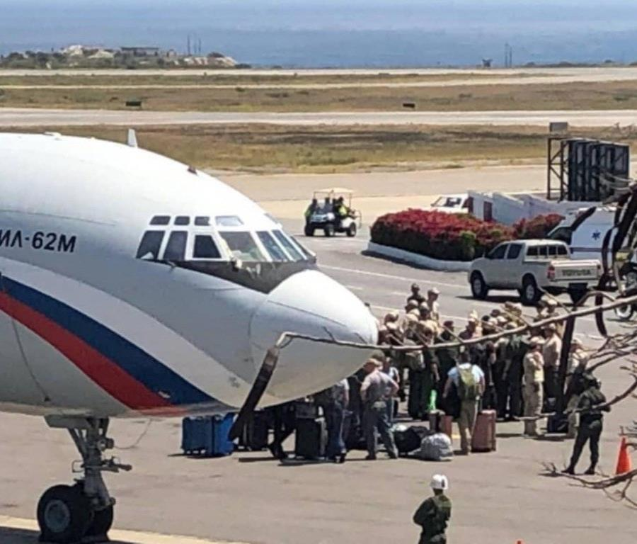 El vicecanciller venezolano para Europa, Yván Gil, dijo que más personal militar ruso llegará al país sudamericano (semisquare-x3)