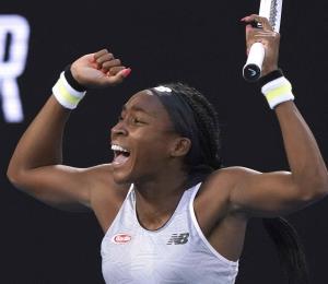 Coco Gauff vence a Naomi Osaka y Serena Williams queda fuera del Abierto de Australia