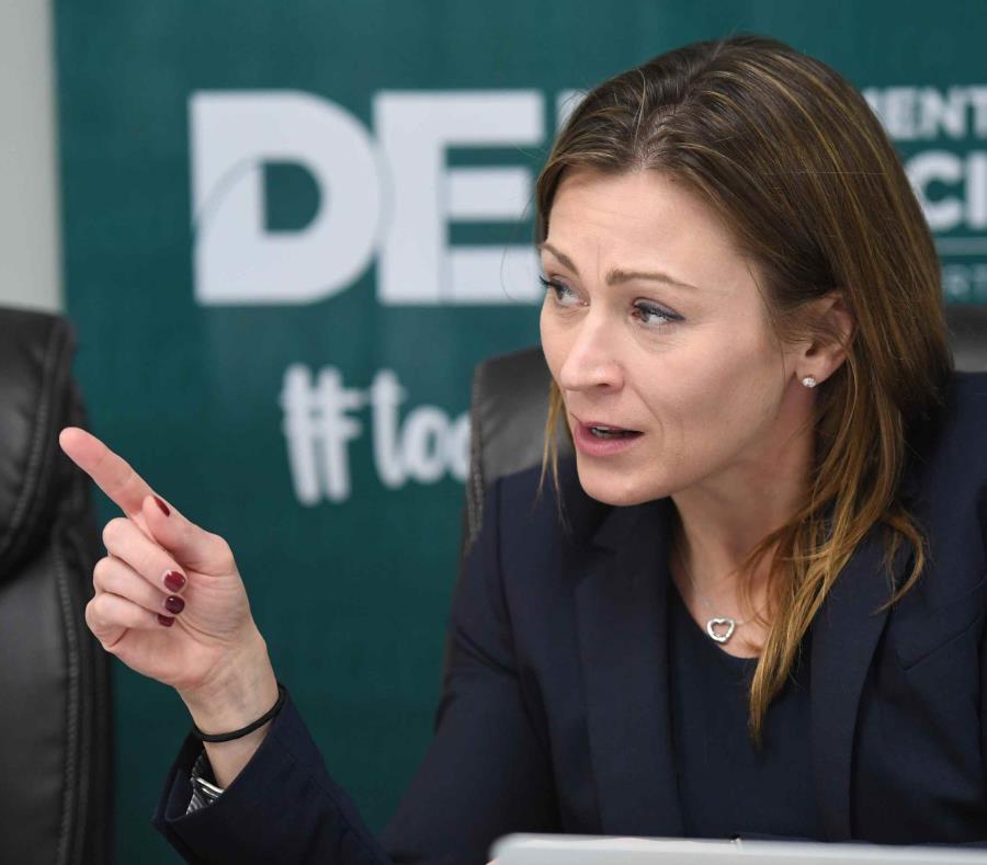 La secretaria de Educación, Julia Keleher (semisquare-x3)