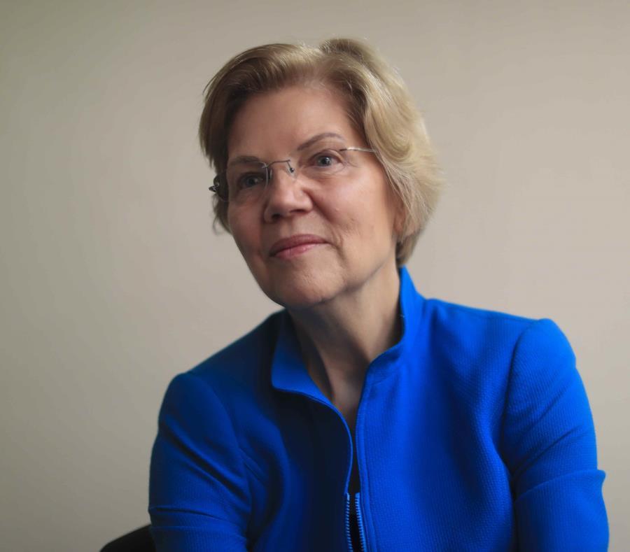"""Warren también señaló que """"el descuido insensible de la administración de Trump a la crisis humanitaria en Puerto Rico es inconcebible"""