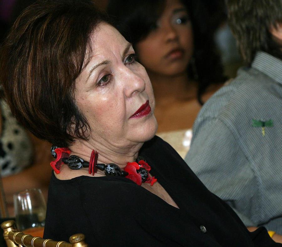 La actriz Luisa Justiniano en el 2005 durante la conferencia de prensa de la telenovela