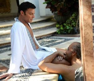 Reseña: dramática representación del asesinato de Versace