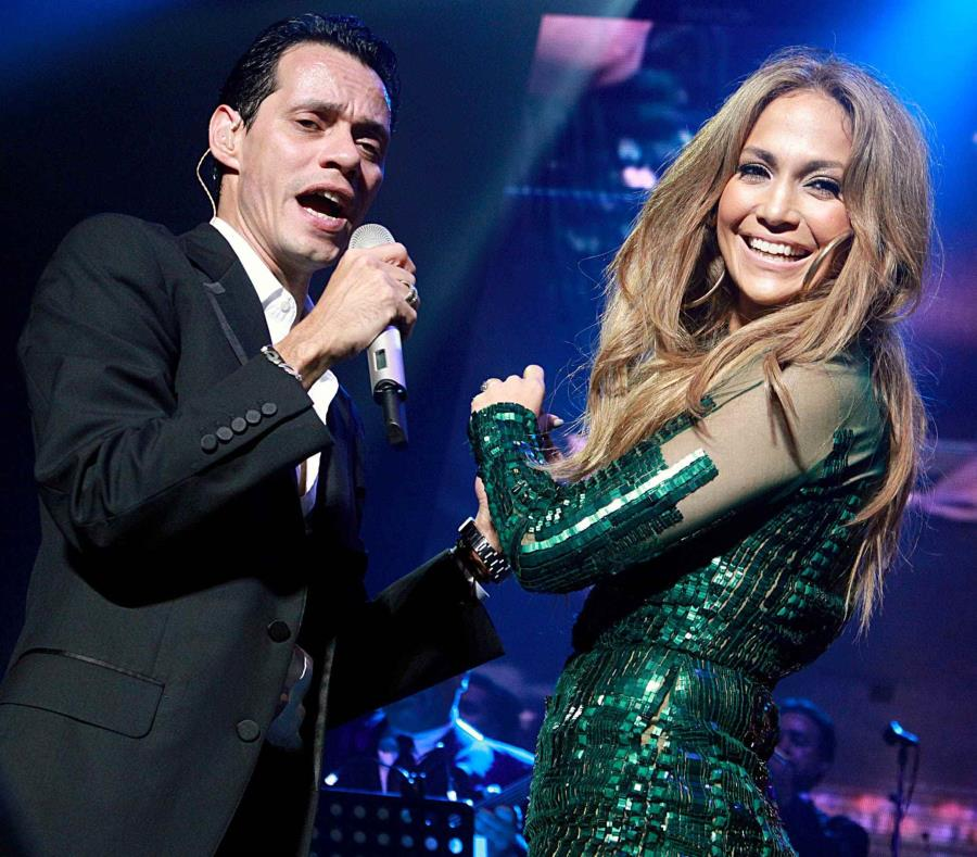 Jeniffer López y Marc Anthony cantan juntos. (semisquare-x3)