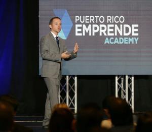 Un grupo de pymes se gradúa de academia empresarial