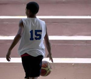 La Federación de Baloncesto aprueba medidas para eliminar la competencia en ligas infantiles