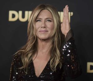 Jennifer Aniston dice estar feliz a pesar de sus dos divorcios
