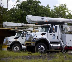 Roban equipo de trabajo de camiones de la AEE en Orocovis