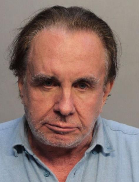 """En un tuit, la policía señaló que Stolper fue """"provocado"""" por un próximo desalojo y estaba molesto con sus vecinos judíos. (vertical-x1)"""