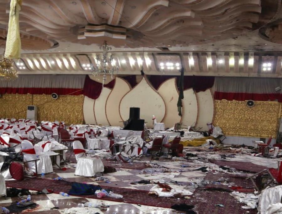 Tragedia en Kabul; explosión mata a 50 durante celebración